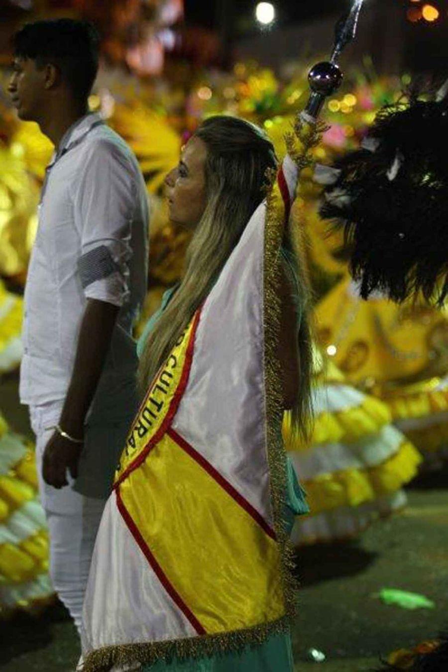 Veja as fotos do 2 dia de desfile das escolas de samba de for 4 4422 c