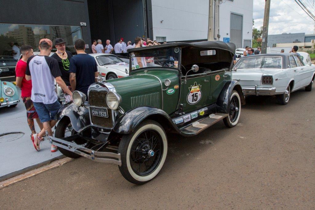 Resultado de imagem para Exposição de carros antigos agita o fim de semana no DF CASA PARK