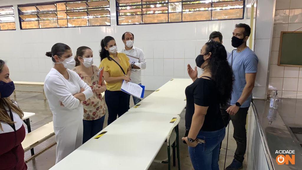 Infectologistas iniciam vistoria em escolas de Ribeirão Preto