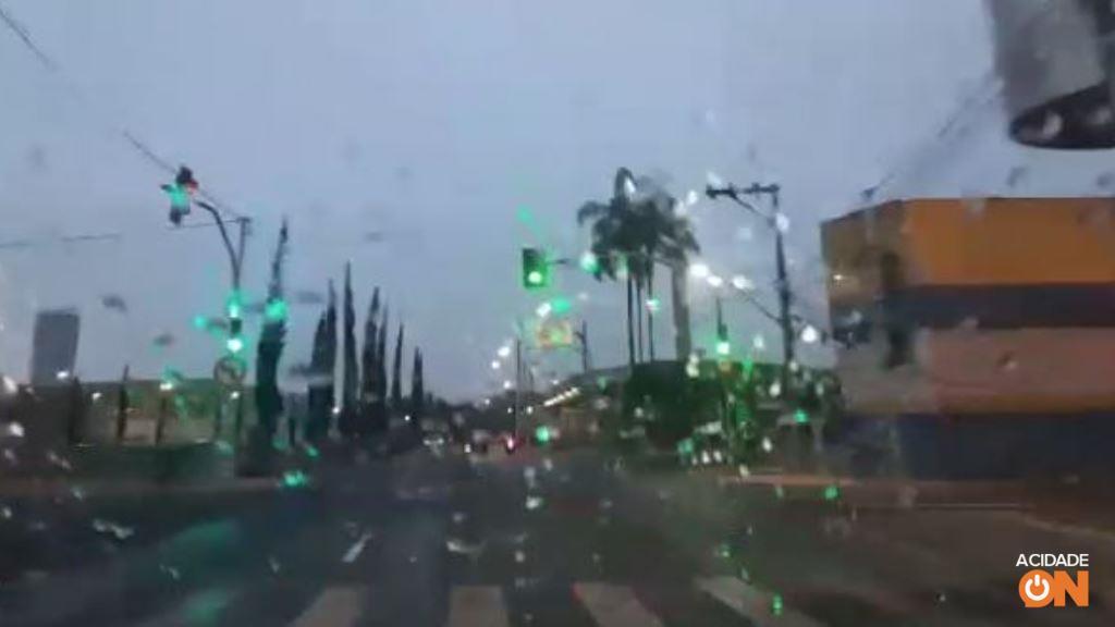 Ribeirão Preto registra chuva na manhã desta quarta-feira