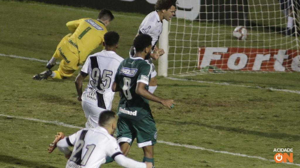 Ponte vence o Goiás e deixa a zona de rebaixamento na Série B. (Foto: Denny Cesare/Código 19)