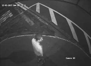 Polícia busca pistas dos assaltantes