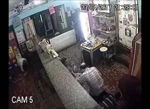 Comerciante foi amarrado e clientes obrigados a deitar no chão