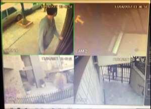 As imagens foram divulgadas pela Polícia Civil e podem ajudar na prisão dos dois suspeitos de terem furtado joias e dinheiro