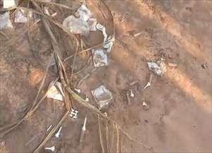 Máscaras cirúrgicas, tubos de soros e tampas de ampolas estavam em estrada de terra que liga a cidade a Monte Mor