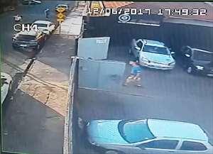 O acidente foi na Rua Joaquim Evangelista de Toledo, próximo ao pontilhão da Travessa Oito