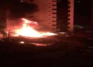 Um incêndio a uma casa na Rua Alvares Azevedo, no Cambuí, assustou moradores do bairro na manhã desta segunda-feira