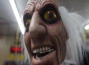 Para comemorar o hallowenn, muitos aproveitaram a sexta-feira (27) e garantiram a fantasia perfeita ? e mais assustadora