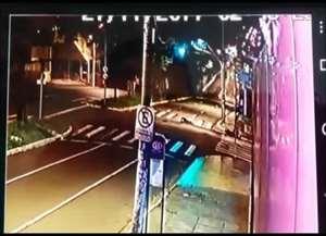 As imagens com a cena do acidente fatal foram entregues na manhã desta segunda-feira à Polícia Civil