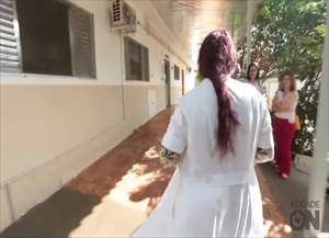 Voluntários do Hospital de Retaguarda Francisco de Assis podem interagir com pacientes, segurá-los ou contar histórias