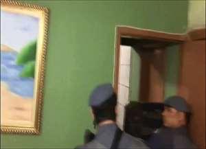 Polícia negociou por horas até a rendição dos criminosos; crime ocorreu no Castelo Branco, nesta quarta-feira (23)