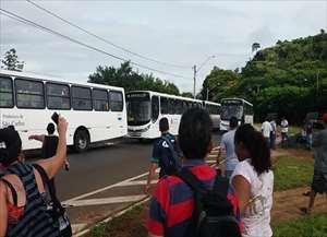 Superlotação e má qualidade de serviço irritaram os moradores do Cidade Aracy