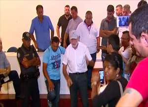 Prefeito recebeu cerca de 30 pessoas no Paço Municipal para discutir problemas com as linhas de ônibus do Aracy