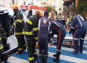 Acidente aconteceu na tarde desta segunda-feira (19) no cruzamento das ruas Episcopal e Padre Teixeira, no Centro de São Carlos