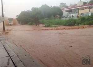 São Carlos fica completamente destruída após chuva de uma hora