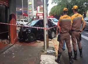 Acidente aconteceu no cruzamento da avenida Francisco Junqueira com a rua João Ramalho