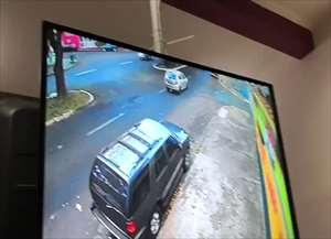 Câmeras de segurança filmaram colisão na avenida do Café; vítima de 36 anos segue internada em estado grave na Santa Casa da cid