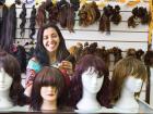 Ana Cláudia trabalha como cabeleireira há 12 anos e desde o início pensava em ajudar. - Foto: Weber Sian / A Cidade