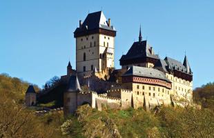 O Castelo de Karlštejn, na República Tcheca - Foto: Divulgação