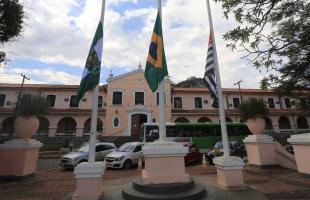 Silva Junior / Especial - Faculdade de medicina da USP de Ribeirão Preto