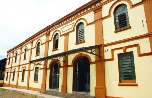 Fachada da Estação Ferroviária de Araraquara, que abriga o Museu Ferroviário - Foto: Arquivo/Tribuna Impressa