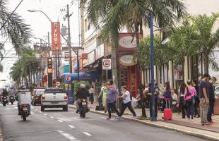 Na semana passada, pesquisa apontou aumento no faturamento real do comércio de Araraquara e região (Amanda Rocha/Tribuna) - Foto: Amanda Rocha/Tribuna