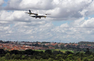 Azul Linhas Aéreas já operou voos em Araraquara entre dezembro de 2013 e dezembro de 2014 (Foto: Kris Tavares/Arquivo Tribuna) - Foto: Kris Tavares/Arquivo Tribuna