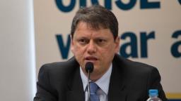 Novo leilão de Viracopos deve acontecer em um ano, diz ministro
