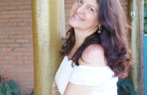 A cantora Cris Aere é atração no Choro das Águas, neste domingo (19) - Foto: Divulgação