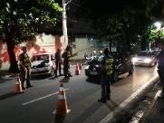 Polícia Militar faz blitzes para inibir assaltos a Ubers