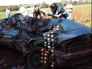 Dois morrem após batida entre carro e caminhão canavieiro
