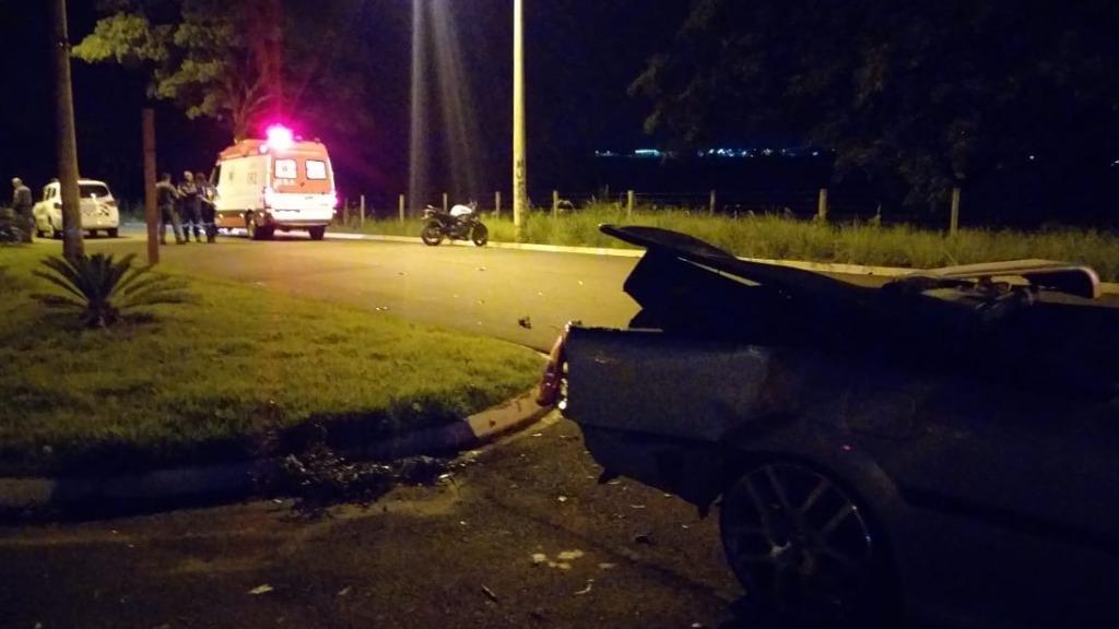 Acidente aconteceu na madrugada deste domingo (19) (Foto: Gabriela Martins/ACidade ON) - Foto: Gabriela Martins