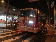 Criança de 2 anos morre atropelada por ônibus