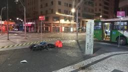 Motoboy morre após bater contra ônibus em Campinas