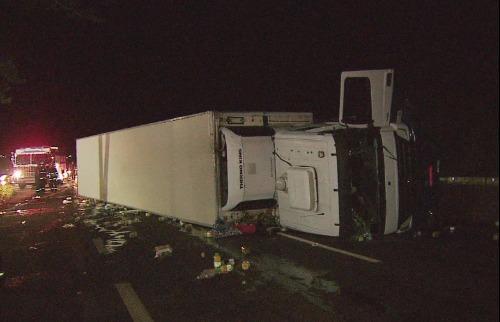 Reprodução EPTV - Acidente na rodovia Anhanguera causou congestionamento na pista na noite desta segunda-feira (29)