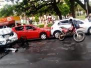 Acidente de trânsito deixa homem ferido em frente à Catedral