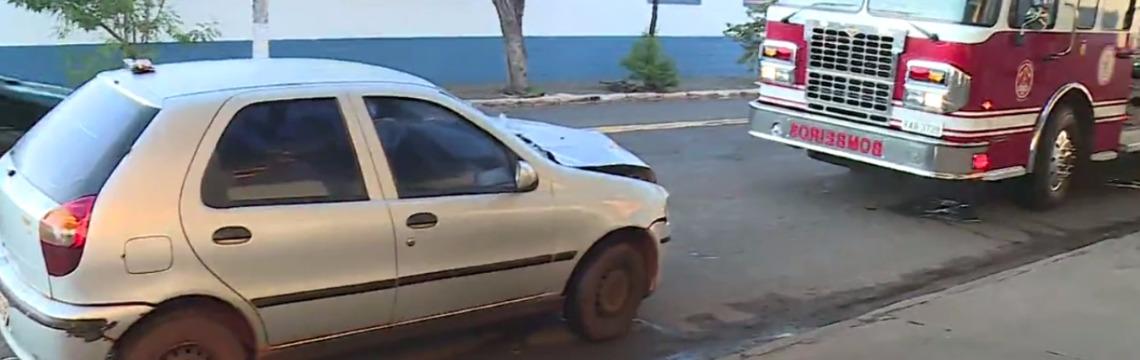 Motociclista bateu de frente com carro na avenida Brasil - Foto: Reprodução EPTV
