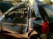 Motorista bate contra poste na avenida Costa e Silva