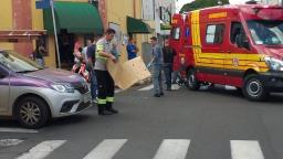 Acidente de trânsito deixa motociclista ferido na Rua1