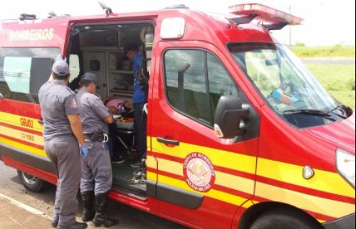 Acidente deixa duas pessoas feridas na Mauricio Galli - Foto: Da reportagem