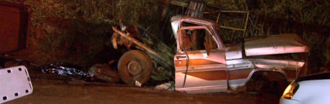 Uma pessoa morreu em acidente na  rodovia Mário Donegá; veja mais fotos na galeria - Foto: Carlos Trinca / EPTV