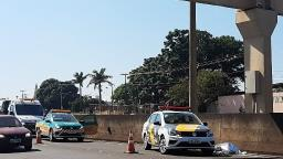 Homem morre atropelado na SP-255 em Araraquara