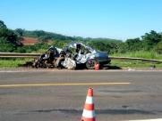 Duas pessoas morrem em grave acidente na rodovia SP-333