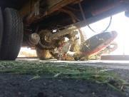 Moto é arrastada por caminhão em acidente na Anhanguera