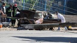 Motorista bate e derruba poste de energia em Pedreira