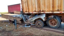 Motorista morre após acidente com caminhões na região
