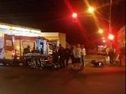 Colisão frontal entre ônibus e moto deixa mulher ferida no Cruzeiro do Sul