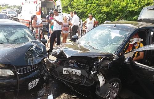 Homem foi socorrido com múltiplas fraturas após colisão - Foto: ACidade ON - São Carlos