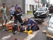 Acidente de trânsito deixa motociclista ferido na Vila Xavier