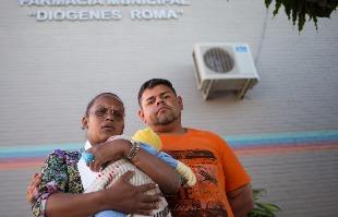 Mastrangelo Reino / A Cidade - Adriana e Gilberto não foram atendidos na Farmácia Municipal de Jaboticabal